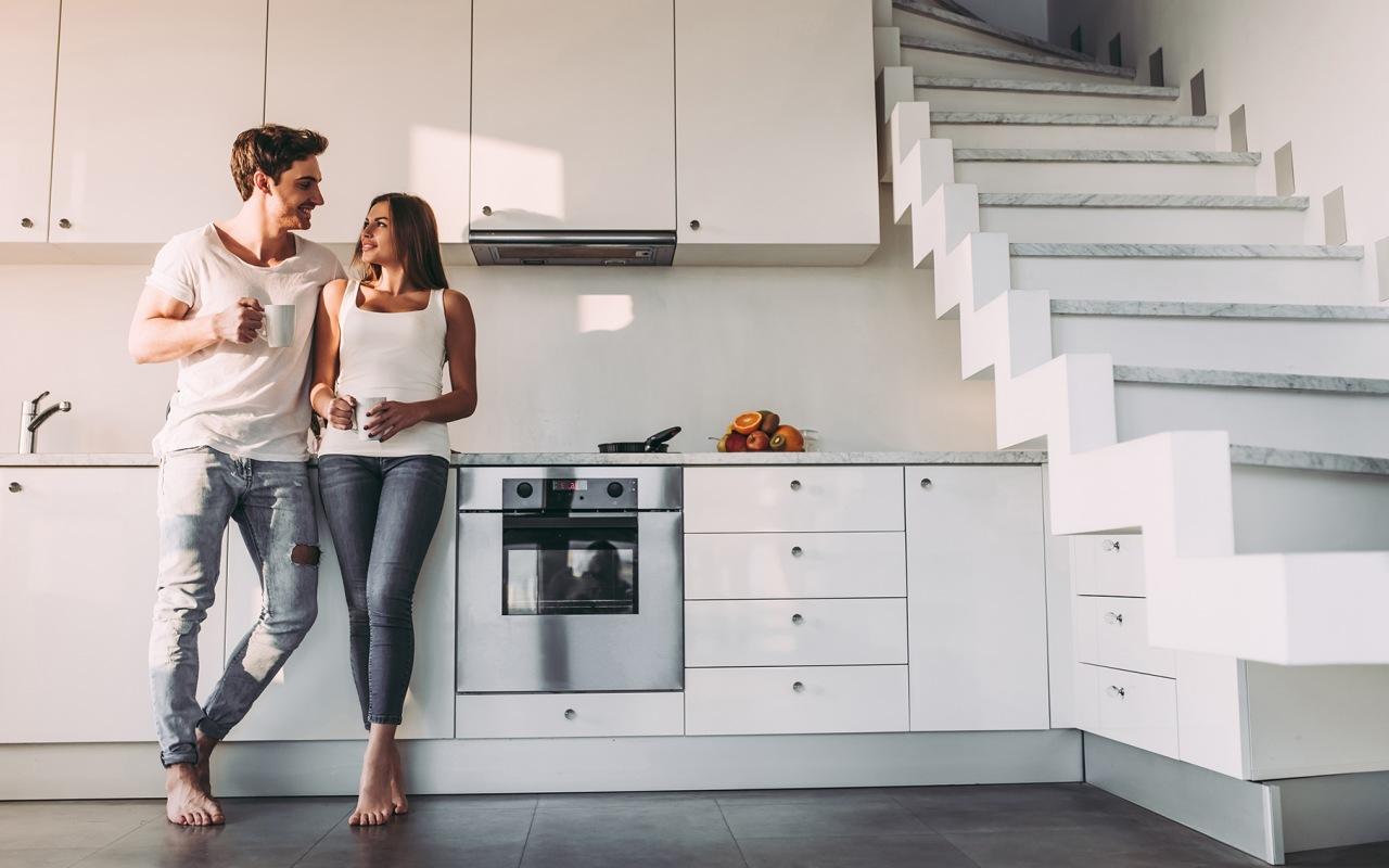 couple dans une cuisine à Colmar
